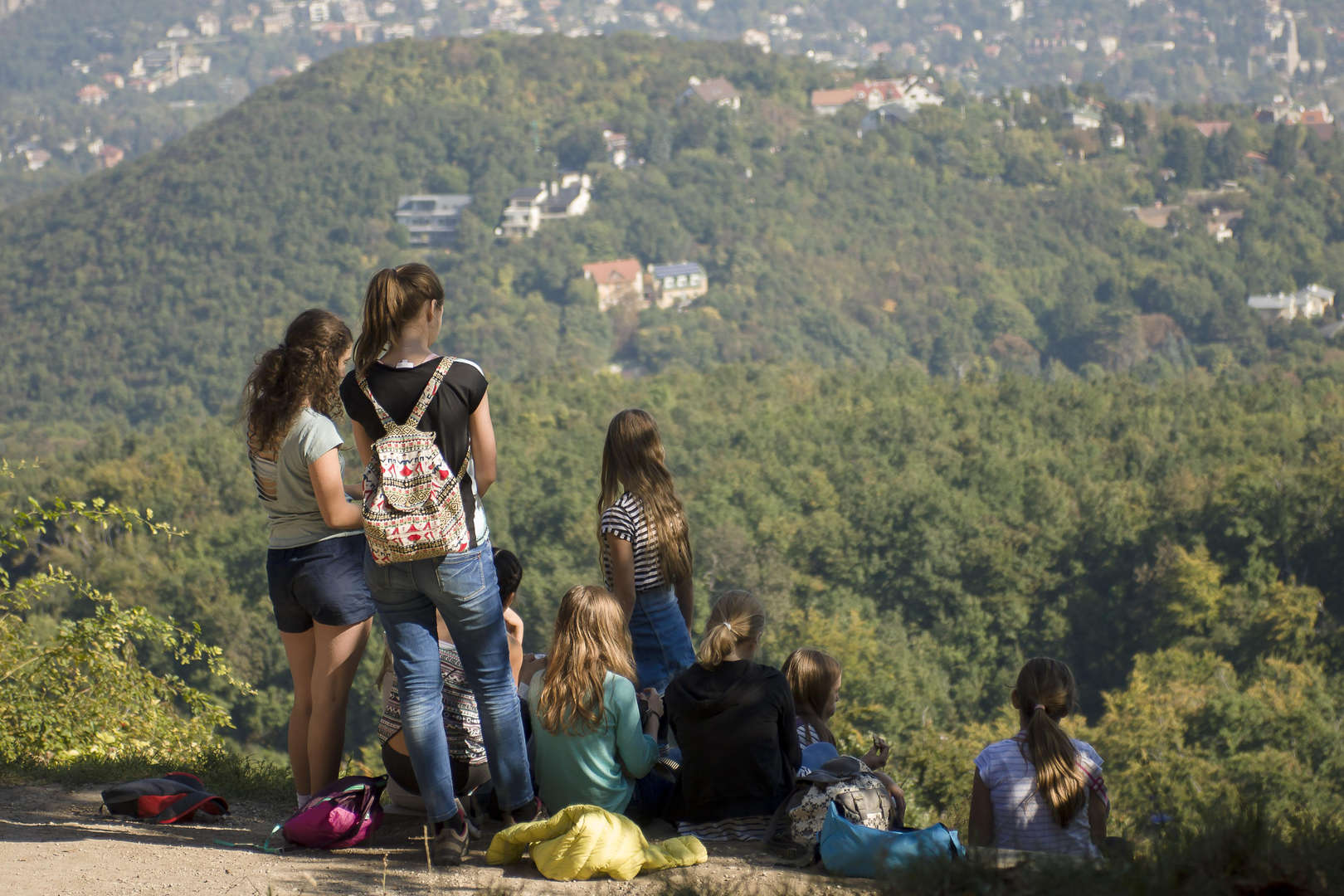 Students overlooking the mountainside